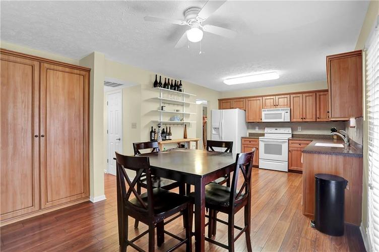 10683 NORTHFIELD Place Fishers, IN 46038 | MLS 21699052 | photo 14