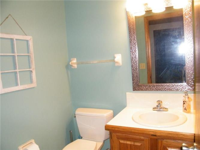 8305 Coral Bay Court Indianapolis IN 46236 | MLS 21699147 | photo 19