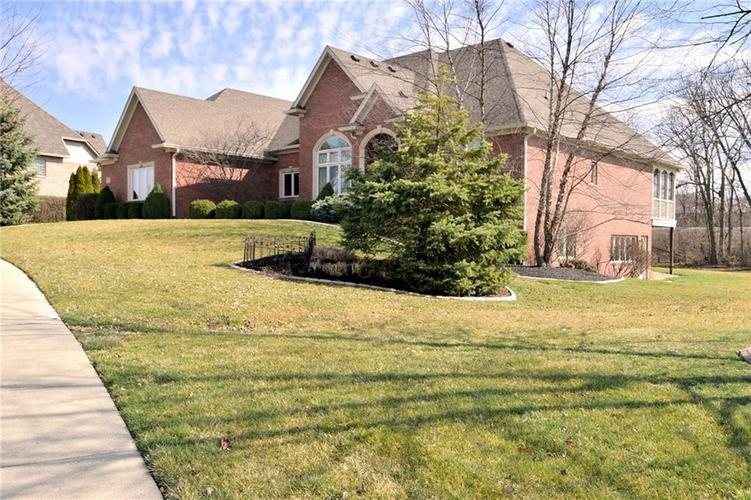 1829 Eagle Trace Drive Greenwood, IN 46143 | MLS 21699211 | photo 2