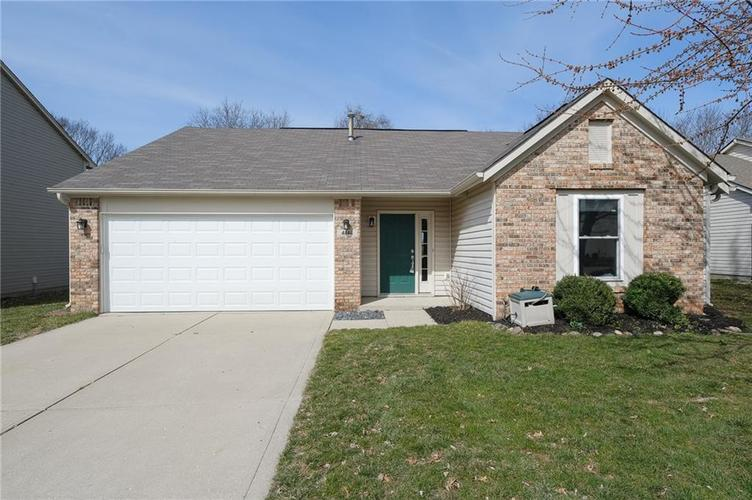 4846 OAKLEIGH Parkway Greenwood, IN 46143 | MLS 21699232 | photo 1