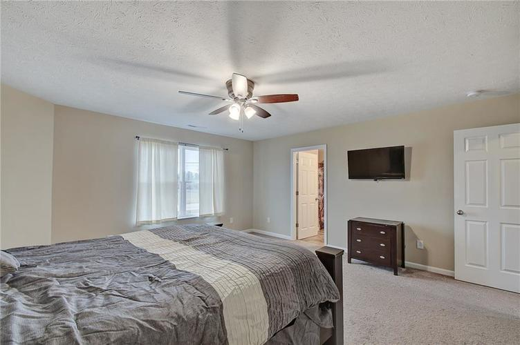 2661 Shadowbrook Trace Greenwood, IN 46143 | MLS 21699254 | photo 16