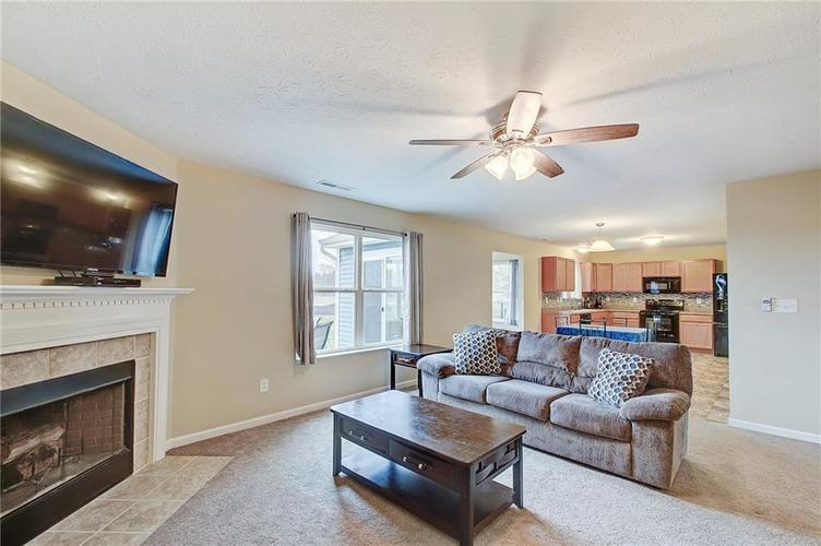 2661 Shadowbrook Trace Greenwood, IN 46143 | MLS 21699254 | photo 5