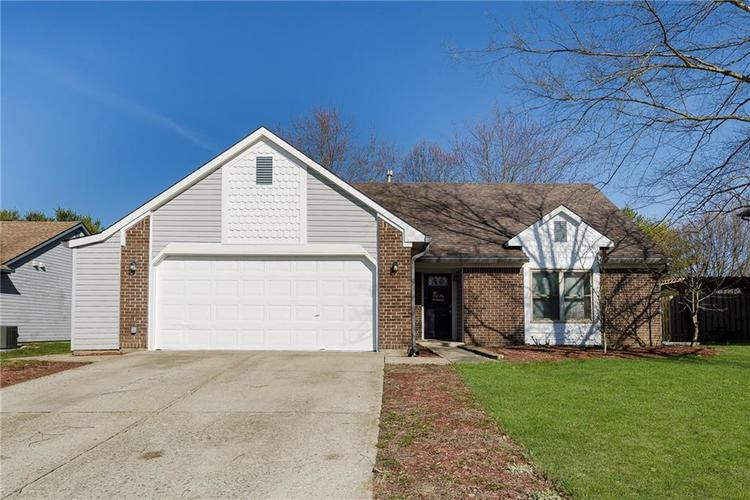 7343 Cobblestone East Drive Indianapolis IN 46236 | MLS 21699396 | photo 1