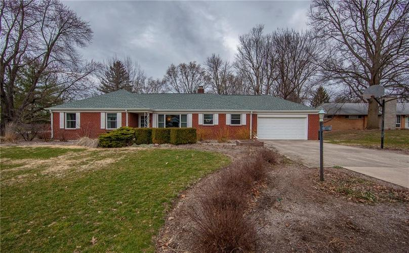 208  Edgewood Drive Anderson, IN 46011 | MLS 21699498