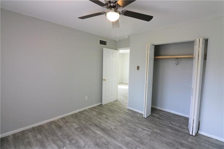 4141 N Brentwood Drive Indianapolis IN 46235 | MLS 21699584 | photo 11