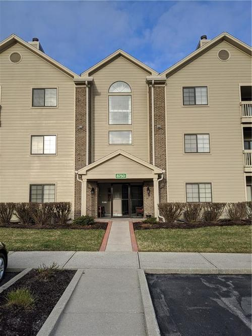 8750 Yardley Court #208 Indianapolis, IN 46268 | MLS 21699725 | photo 1