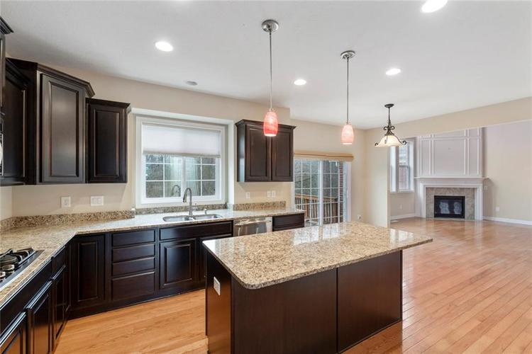 13652 Marylou Drive Carmel, IN 46074 | MLS 21699805 | photo 10