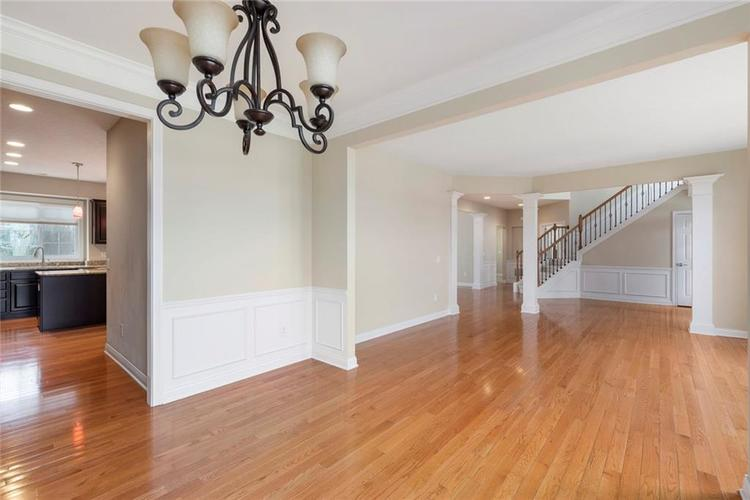 13652 Marylou Drive Carmel, IN 46074 | MLS 21699805 | photo 14