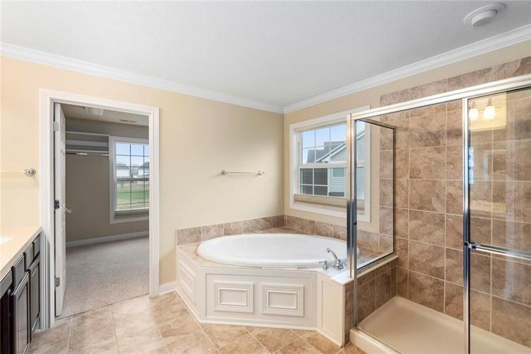 13652 Marylou Drive Carmel, IN 46074 | MLS 21699805 | photo 24