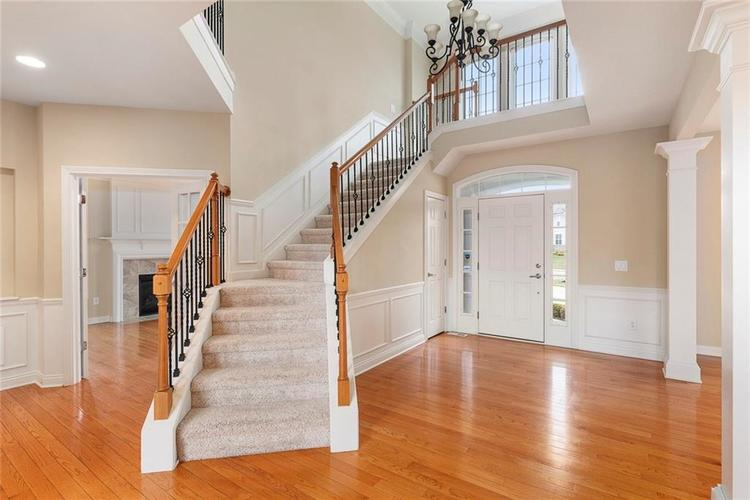 13652 Marylou Drive Carmel, IN 46074 | MLS 21699805 | photo 5