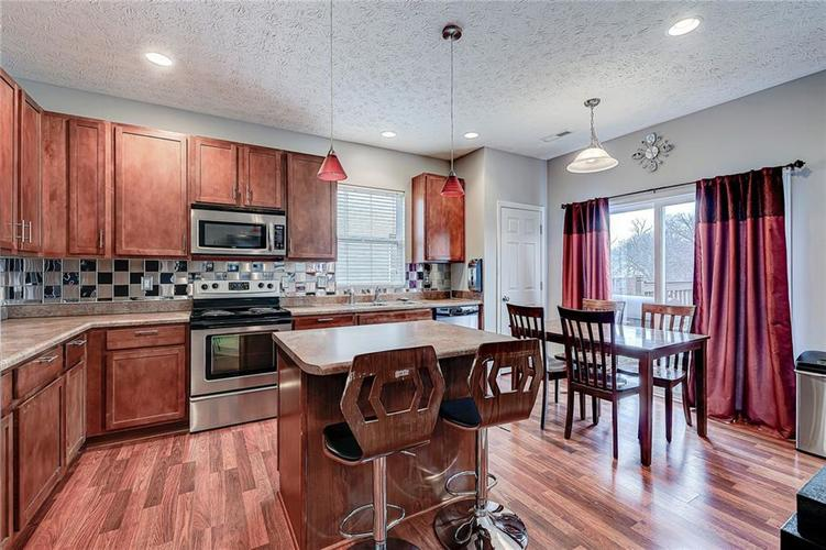 4720 Ladywood Cliffs Court Indianapolis, IN 46226 | MLS 21699809 | photo 10
