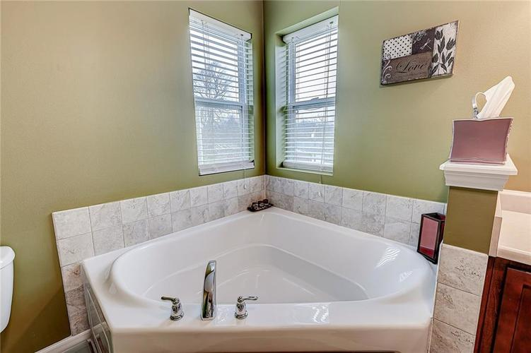 4720 Ladywood Cliffs Court Indianapolis, IN 46226 | MLS 21699809 | photo 21