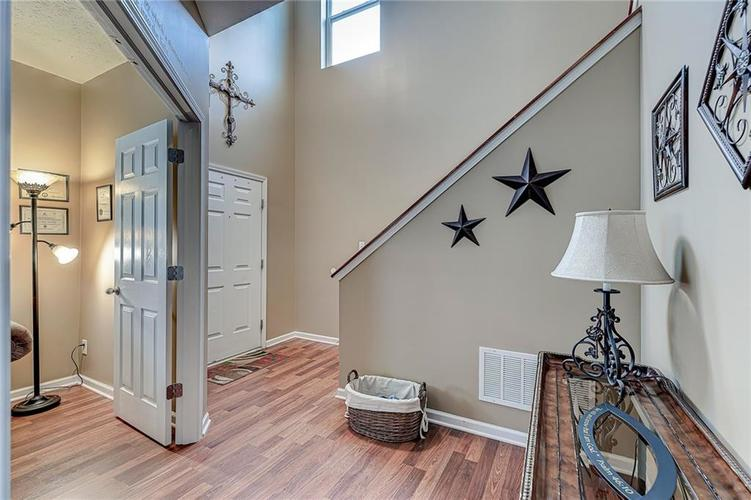 4720 Ladywood Cliffs Court Indianapolis, IN 46226 | MLS 21699809 | photo 4