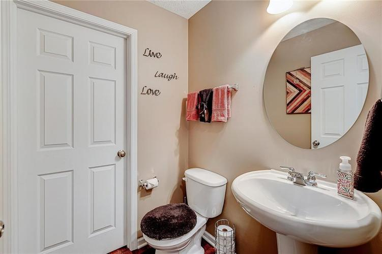 4720 Ladywood Cliffs Court Indianapolis, IN 46226 | MLS 21699809 | photo 6