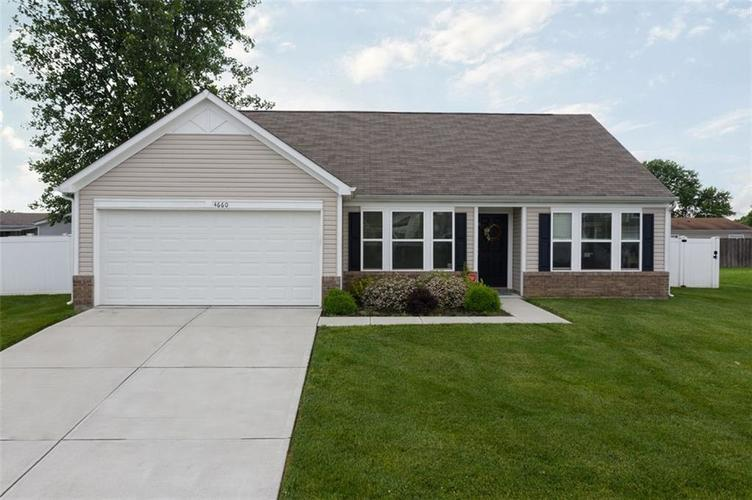 4660 Willowbrook Drive Columbus IN 47203 | MLS 21699897 | photo 1