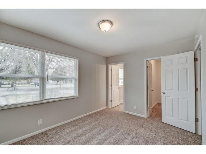 1917 W 63rd Street Indianapolis IN 46260 | MLS 21699967 | photo 11