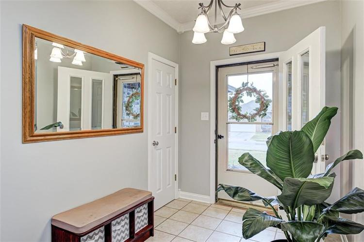 224 WOODLAND Place Pittsboro, IN 46167 | MLS 21700003 | photo 2