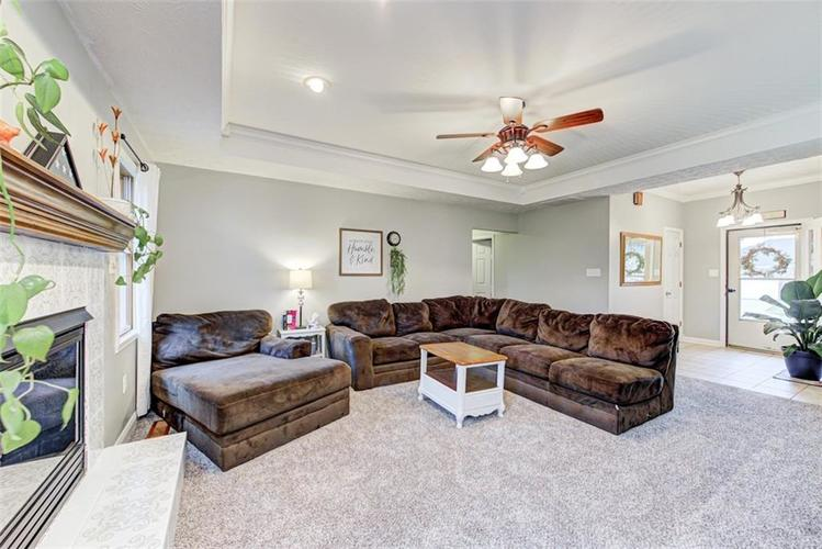 224 WOODLAND Place Pittsboro, IN 46167 | MLS 21700003 | photo 4