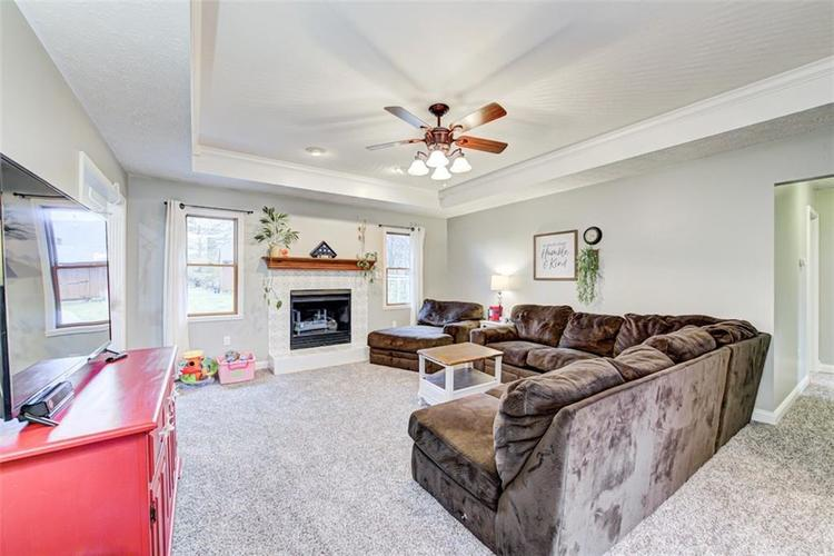 224 WOODLAND Place Pittsboro, IN 46167 | MLS 21700003 | photo 5