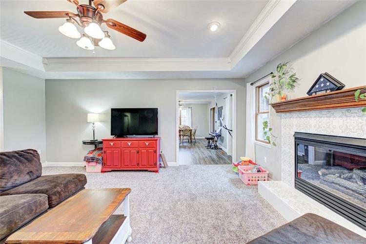 224 WOODLAND Place Pittsboro, IN 46167 | MLS 21700003 | photo 6