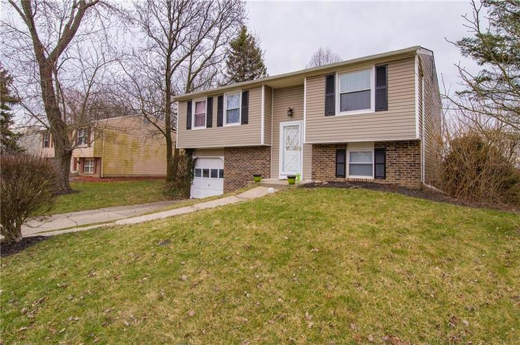 11331 Wolf Lane Indianapolis IN 46229   MLS 21700012   photo 1