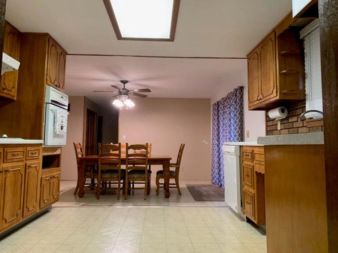 3948 Rainbow View Drive Indianapolis, IN 46221 | MLS 21700033 | photo 7