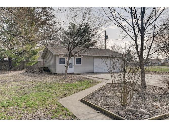 116 Waterman Drive Noblesville, IN 46060 | MLS 21700145 | photo 2