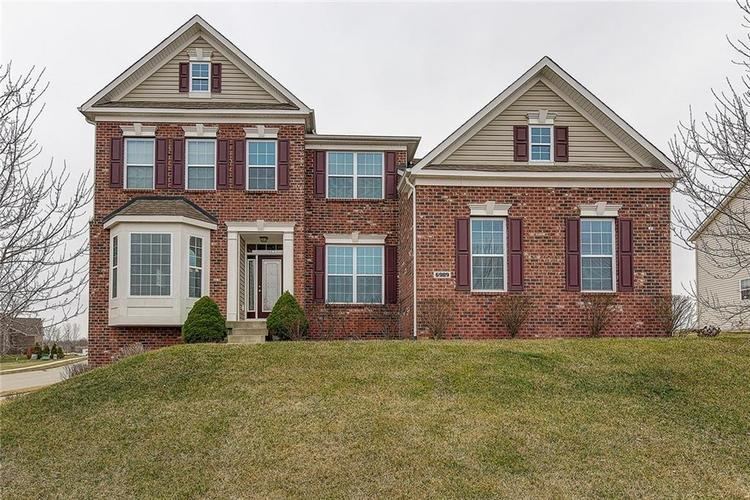 6989 Winter Crest Drive Columbus, IN 47201 | MLS 21700182 | photo 1