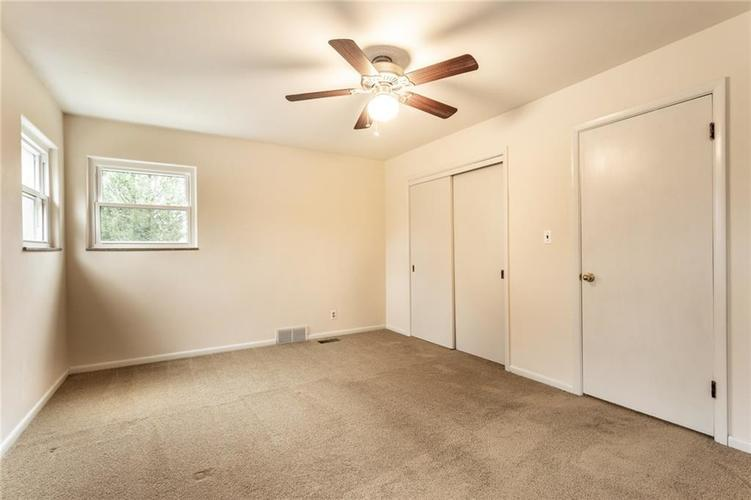 6932 Spring Mill Road Indianapolis, IN 46260 | MLS 21700237 | photo 22