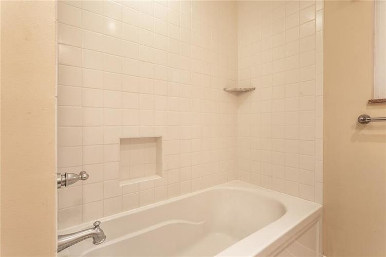 6932 Spring Mill Road Indianapolis, IN 46260 | MLS 21700237 | photo 29