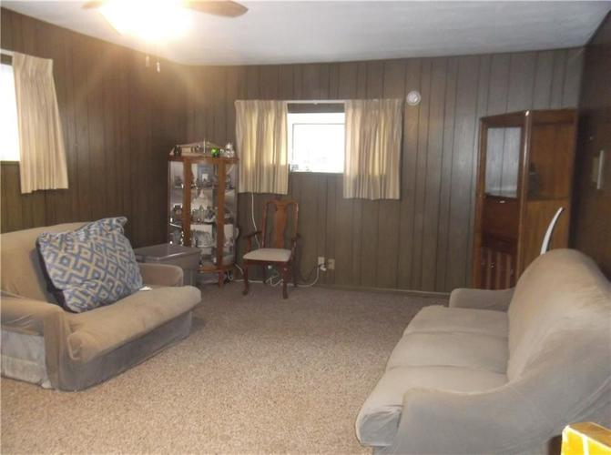 5901 E 43rd Street Indianapolis, IN 46226 | MLS 21700281 | photo 11