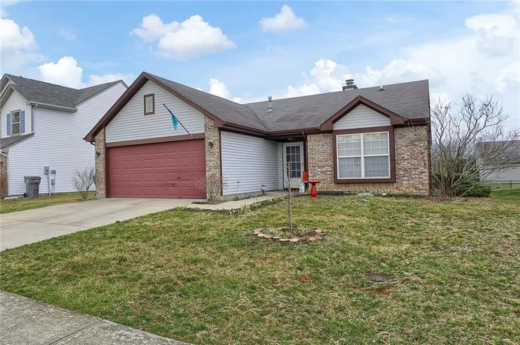 8438 Fort Sumter Drive Indianapolis, IN 46227 | MLS 21700292 | photo 2