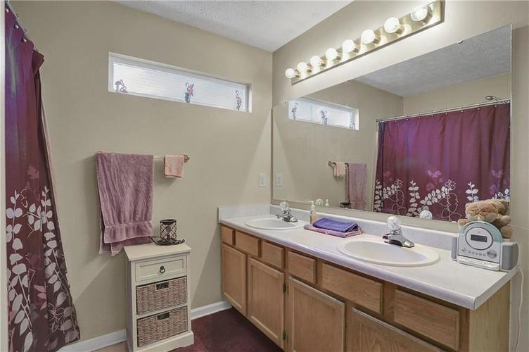 8438 Fort Sumter Drive Indianapolis, IN 46227 | MLS 21700292 | photo 20