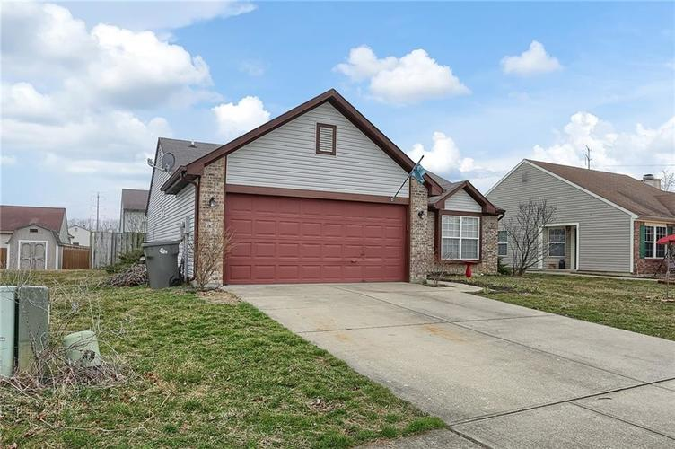 8438 Fort Sumter Drive Indianapolis, IN 46227 | MLS 21700292 | photo 3