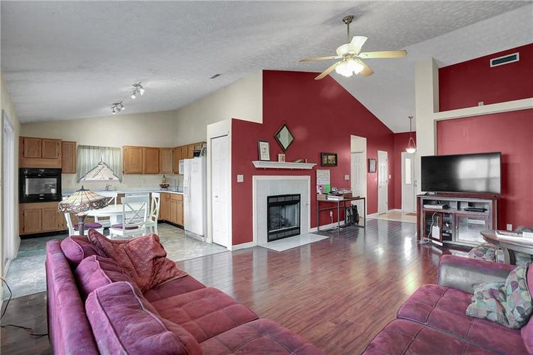 8438 Fort Sumter Drive Indianapolis, IN 46227 | MLS 21700292 | photo 6
