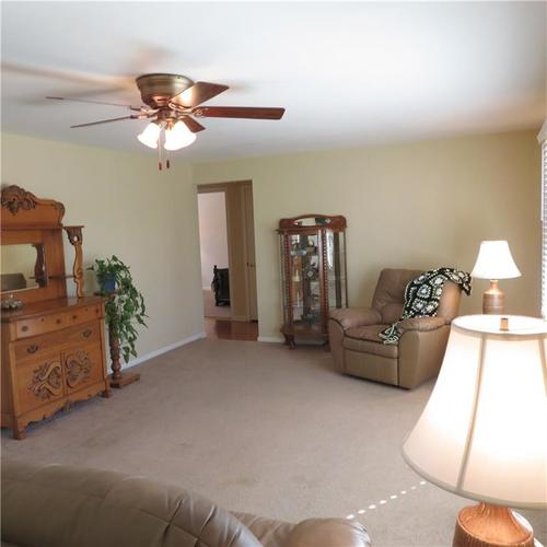 1614 Forest Drive Columbus IN 47201 | MLS 21700329 | photo 3