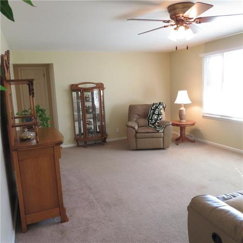 1614 Forest Drive Columbus IN 47201 | MLS 21700329 | photo 4