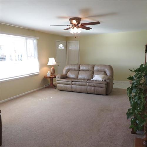1614 Forest Drive Columbus IN 47201 | MLS 21700329 | photo 5