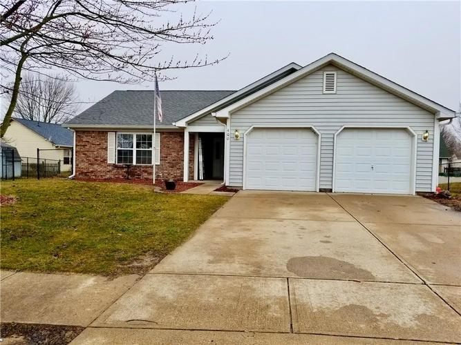 400 W Southway Court Bargersville IN 46106 | MLS 21700339 | photo 2