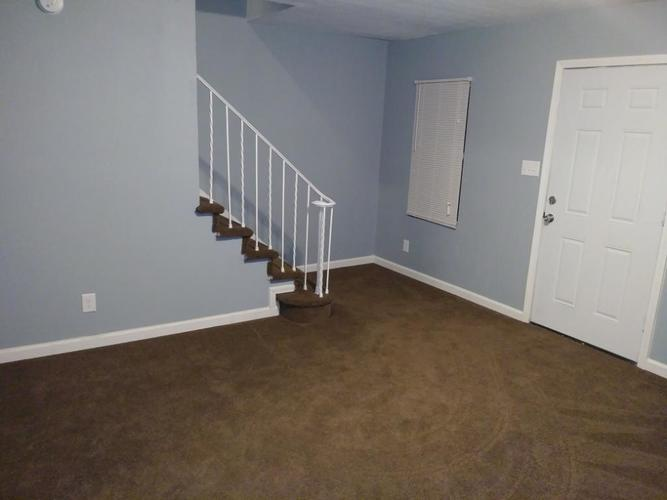 10019 E HAWKINS Court Indianapolis, IN 46229 | MLS 21700432 | photo 4