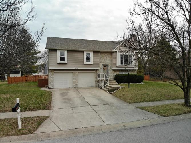 12551 Saksons Boulevard Fishers, IN 46038 | MLS 21700437 | photo 1