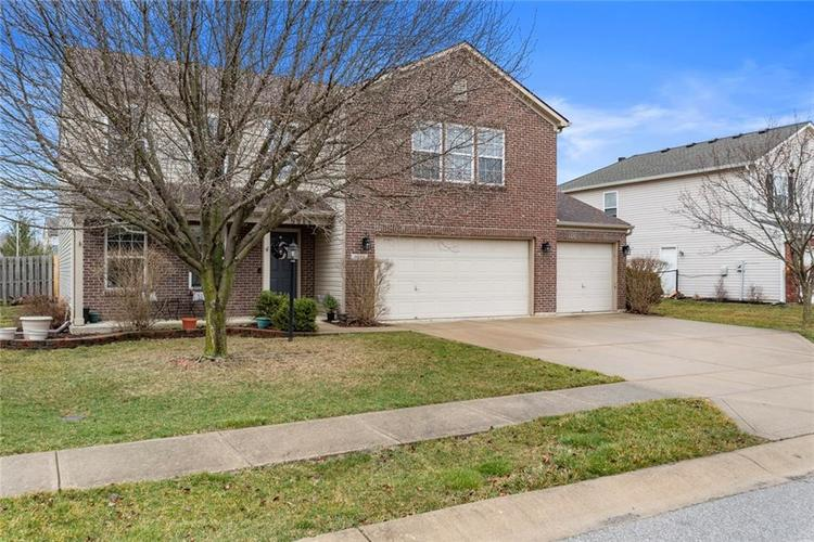 5814 Edgewood Trace Boulevard Indianapolis, IN 46239   MLS 21700461   photo 2
