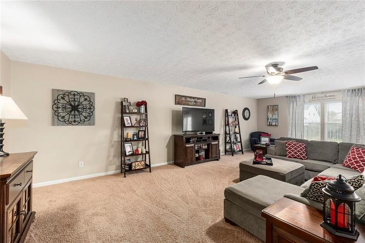 5814 Edgewood Trace Boulevard Indianapolis, IN 46239   MLS 21700461   photo 6