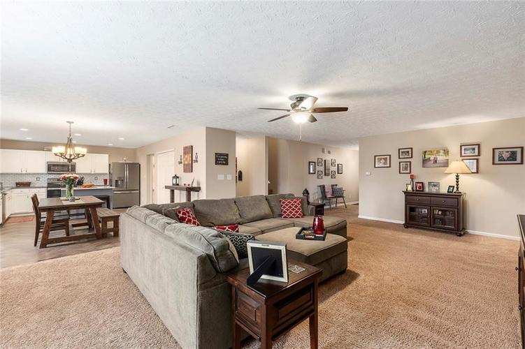 5814 Edgewood Trace Boulevard Indianapolis, IN 46239   MLS 21700461   photo 7