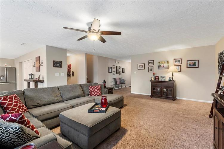 5814 Edgewood Trace Boulevard Indianapolis, IN 46239   MLS 21700461   photo 8
