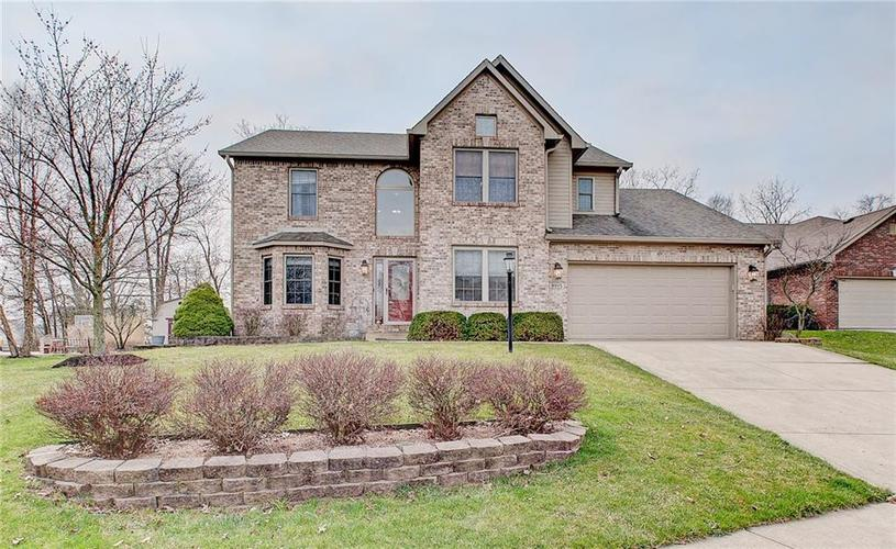 8015 Meadow Bend Drive Indianapolis, IN 46259   MLS 21700472   photo 1