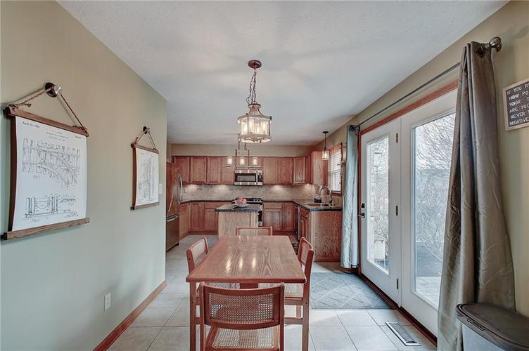 8015 Meadow Bend Drive Indianapolis, IN 46259   MLS 21700472   photo 15
