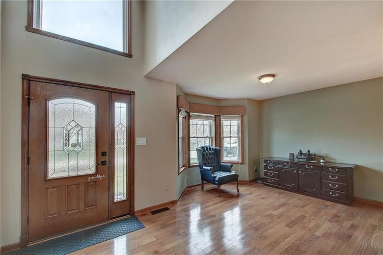 8015 Meadow Bend Drive Indianapolis, IN 46259   MLS 21700472   photo 2