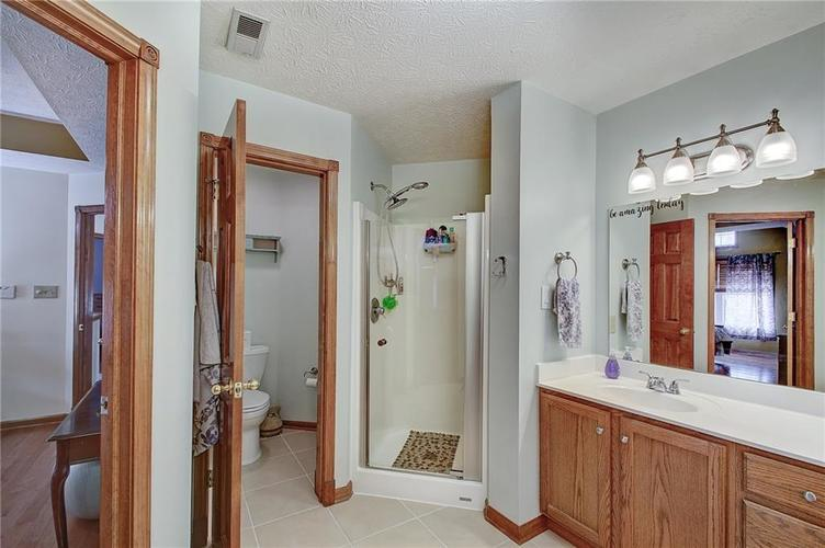 8015 Meadow Bend Drive Indianapolis, IN 46259   MLS 21700472   photo 24