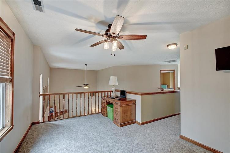 8015 Meadow Bend Drive Indianapolis, IN 46259   MLS 21700472   photo 31